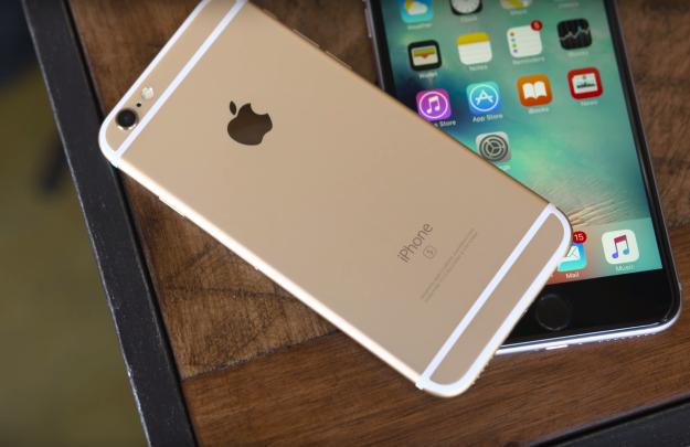 Apple to keep iPhone 7 headphone socket petition goes viral